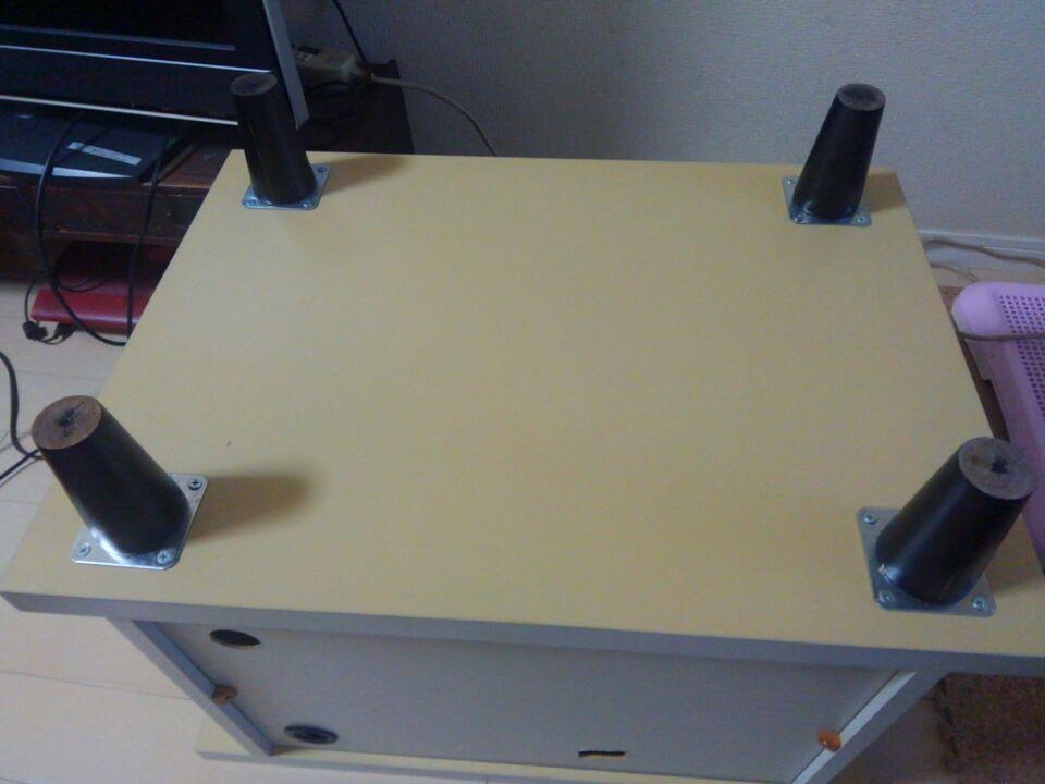 北欧家具風にDIY。手持ちのテレビ台を北欧家具の特徴である脚付きにしてみたよ!5