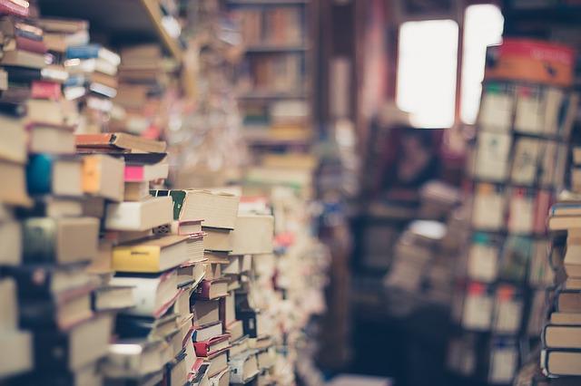 【100回捨てはじめました~36】大学の教科書は、買取サイトを利用して賢く手放す