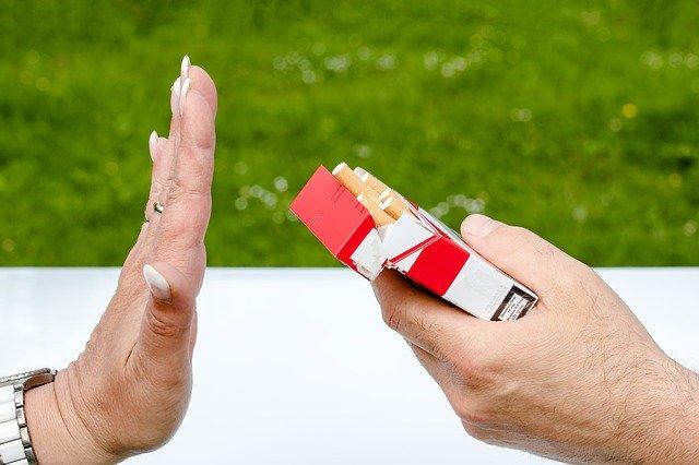 おひとりさま、老後資金を貯めるためにやめたこと3つ、タバコ