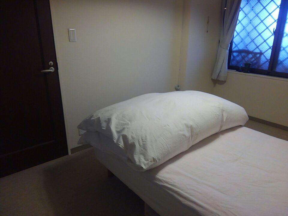 寝室のベッドの位置を変更・北東と体調の関係を検証してみる!ベッドの位置を北東から外し、枕を東向きにしてみた!!3