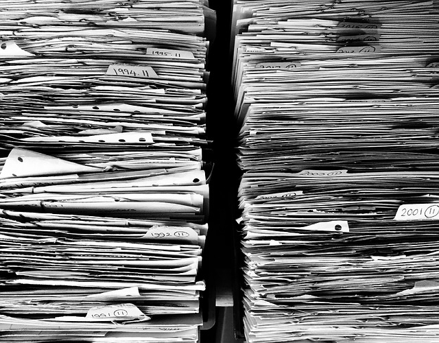 紙類整理の仕方 取扱説明書は早くて安くて簡単に綴じる!