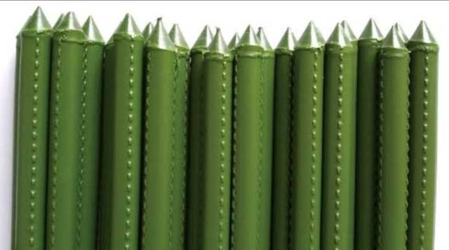 【100回捨てはじめました~57】くたびれた財布と園芸用品を手放す 園芸用支柱