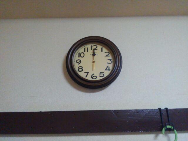 おしゃれレトロ壁掛け電波時計に一目ぼれ!時刻合わせは放っておく!!「電波時計、時刻合わせが面白い」1