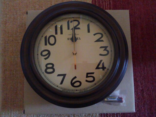 おしゃれレトロ壁掛け電波時計に一目ぼれ!時刻合わせは放っておく!!「このレトロ感がたまら~ん」1