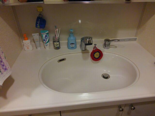 ミニマルな洗面台がいい!収納棚と洗面用具は必要最低限に