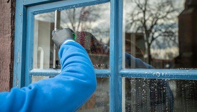 窓ガラスワイパー