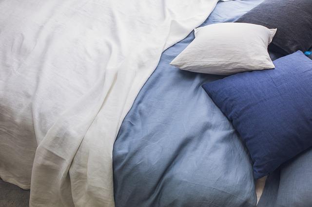 体のピクつきで熟睡できない!原因と対処法